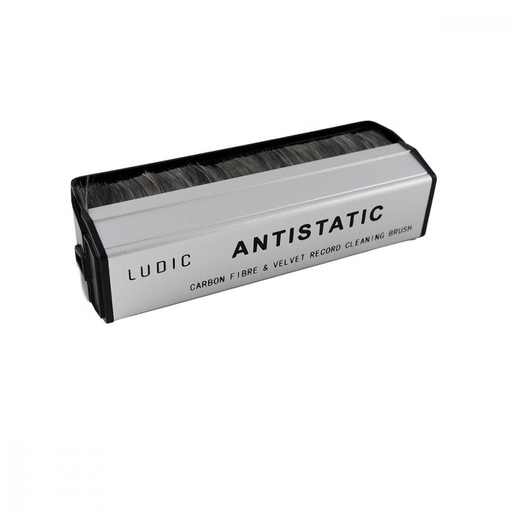 Ludic Audio Exstatic carbon fibre and velvet brush